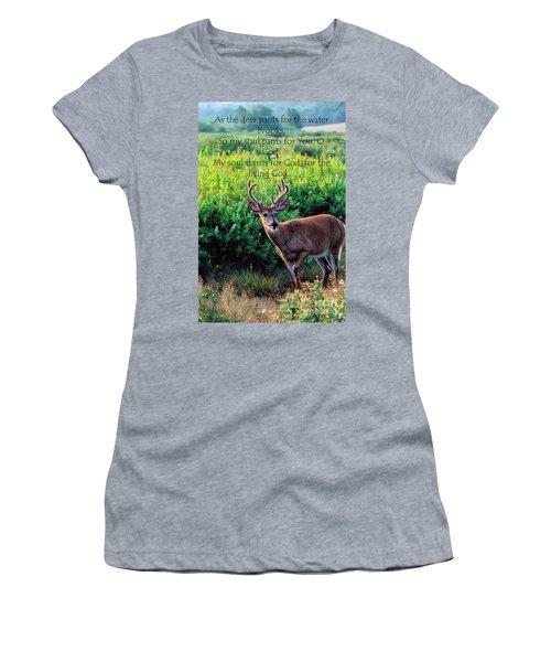 Whitetail Deer Panting Women's T-Shirt