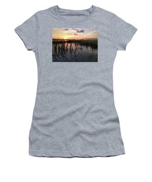 Winding Wando Women's T-Shirt