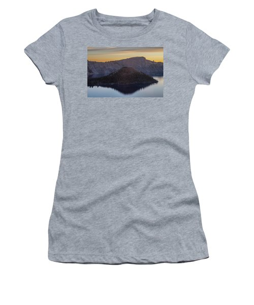 Wizard Island Morning Women's T-Shirt