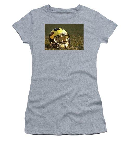 Wolverine Helmet In Morning Sunlight Women's T-Shirt