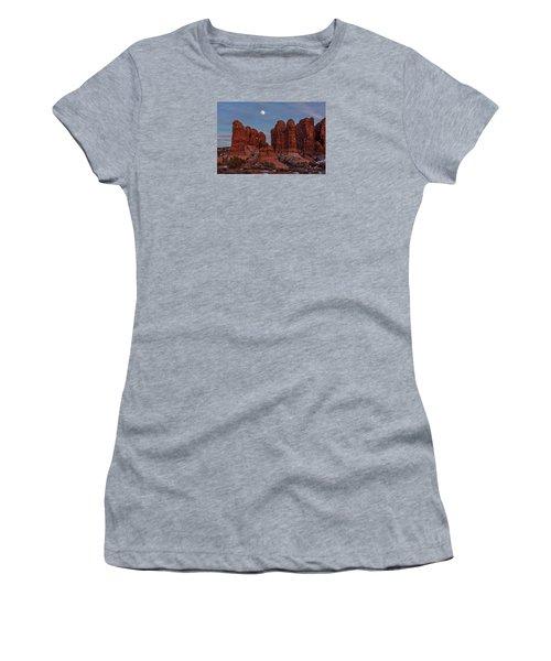 Super Moonrise At Garden Of Eden Women's T-Shirt