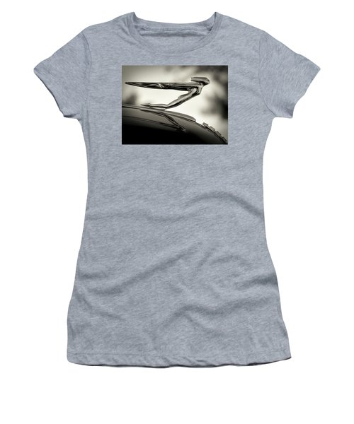 1936 Auburn 851 Sc Boattail Speedsterdster Hood Ornament Women's T-Shirt