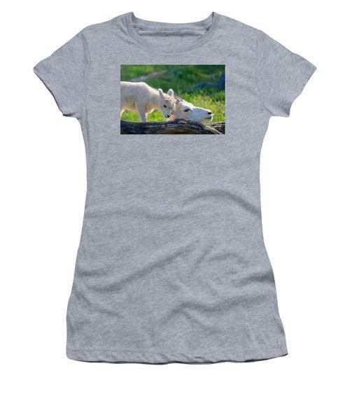 Baby Loves Mama Women's T-Shirt