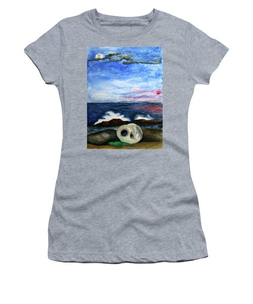 Beach Debris With Waves Women's T-Shirt