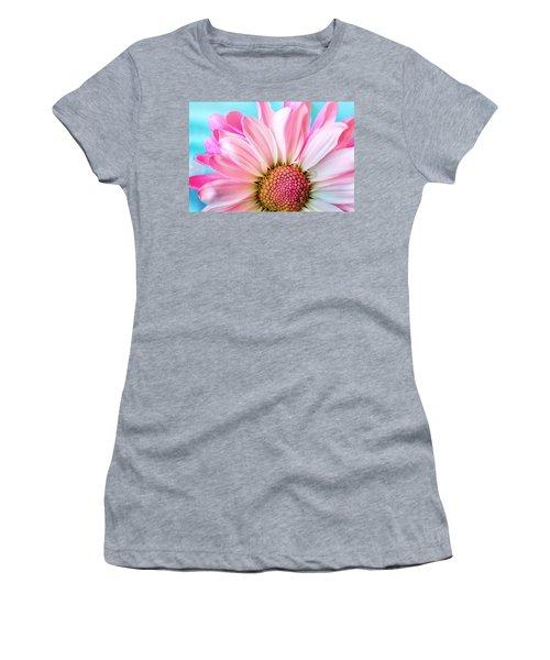 Beautiful Pink Flower Women's T-Shirt