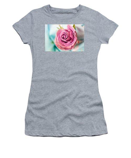 Beautiful Vintage Rose Women's T-Shirt (Athletic Fit)