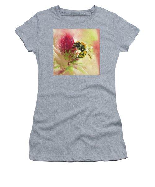 Bee On Clover Women's T-Shirt