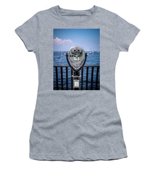 Binocular Viewer Women's T-Shirt