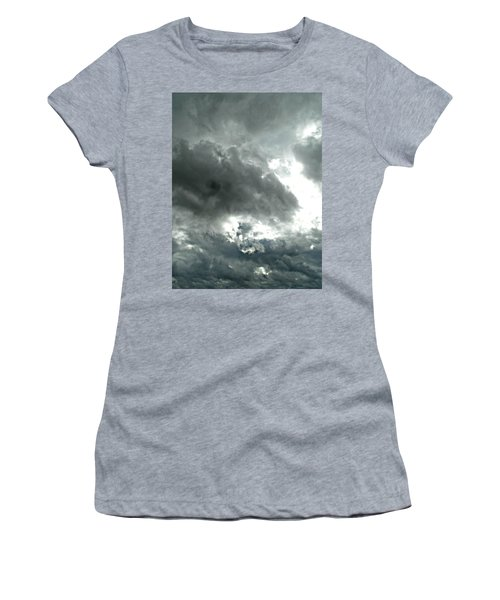 Colossal Covering Women's T-Shirt
