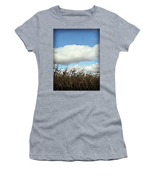 Country Autumn Cuves 5 Women's T-Shirt