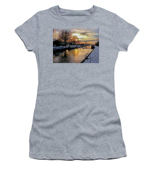 Cranfleet Canal Boats Women's T-Shirt