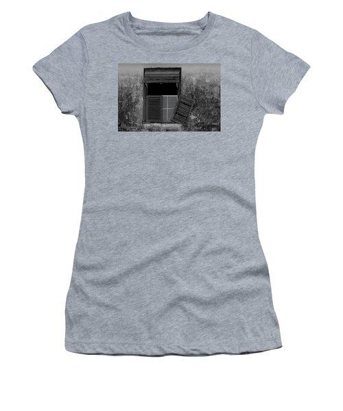 Crumblling Window Women's T-Shirt