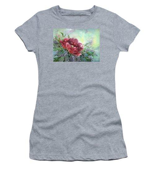 Dark Red Peony Flower Women's T-Shirt