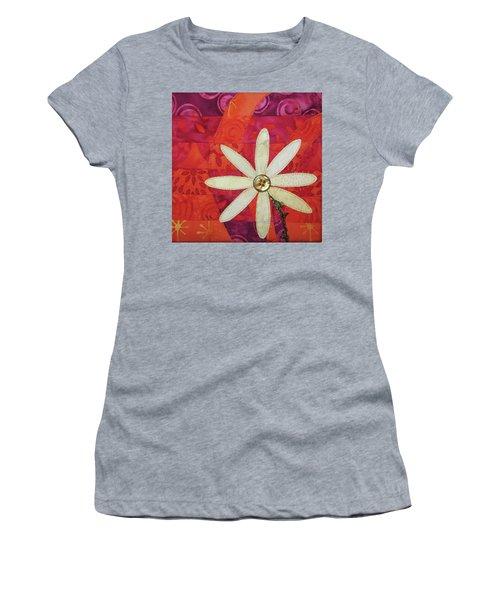 Delightful Daisy Women's T-Shirt