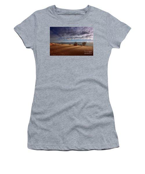 Dune In Motion Women's T-Shirt