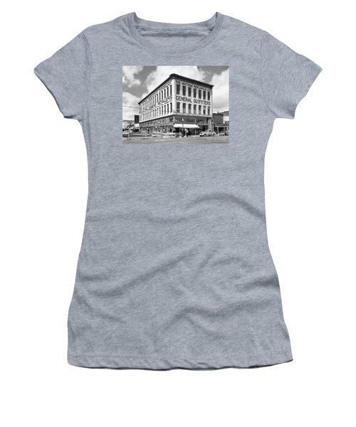 Earthquake Mottman Bldg, April 1949 Women's T-Shirt