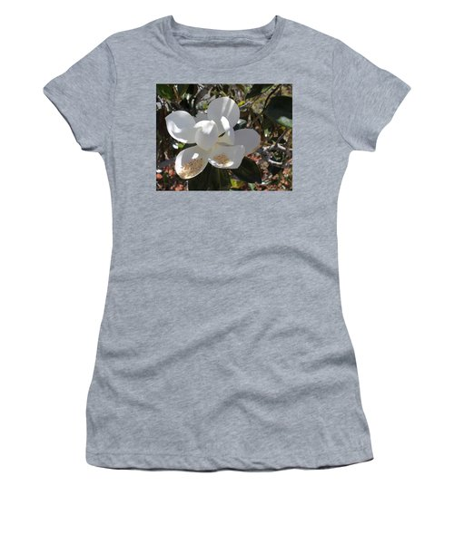 Gigantic White Magnolia Blossoms Blowing In The Wind Women's T-Shirt
