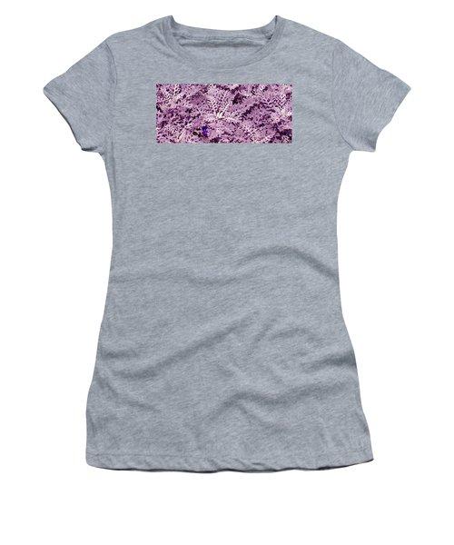 Hide-n-seek Women's T-Shirt