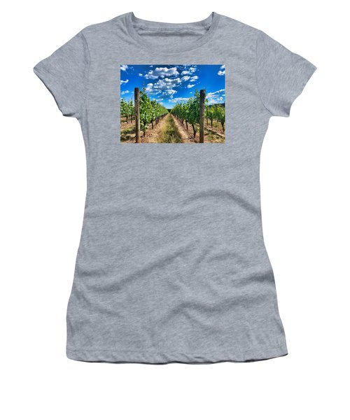 In The Vineyard Women's T-Shirt