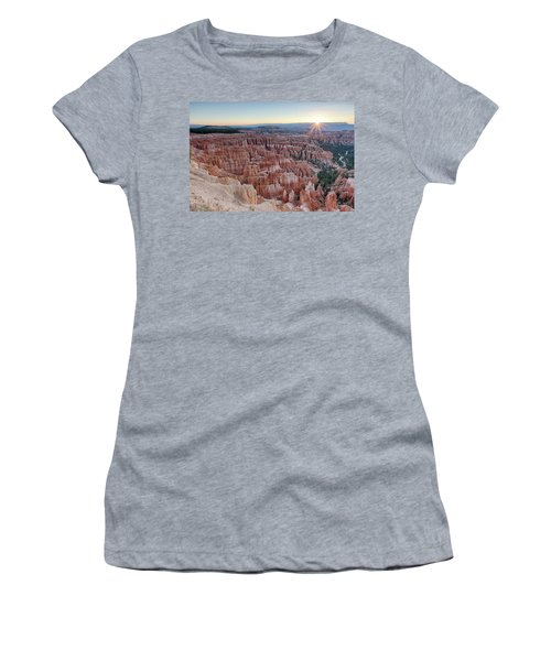 Inspiration Point Sunrise Bryce Canyon National Park Summer Solstice Women's T-Shirt