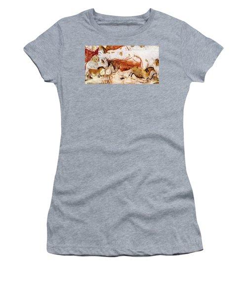 Lascaux Cow And Horses Women's T-Shirt