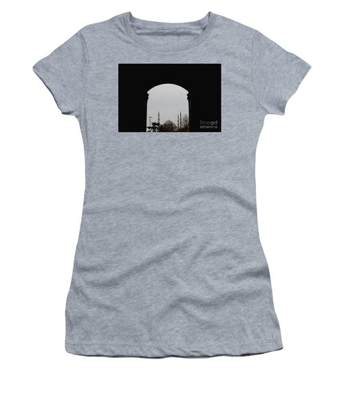 minarets in the city for the prayer of the Muslim religion Women's T-Shirt