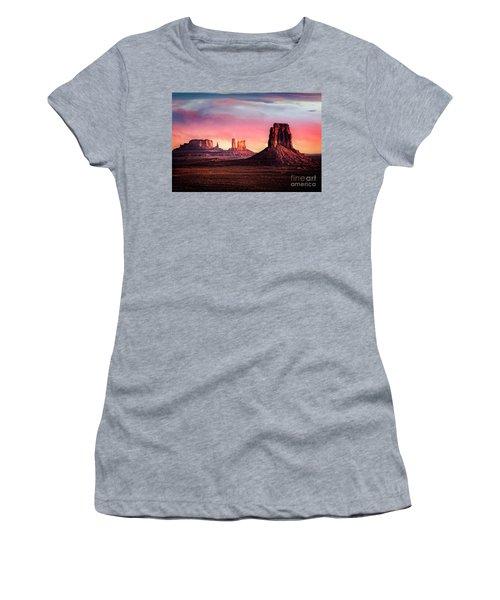 Monument Valley Sunrise Women's T-Shirt