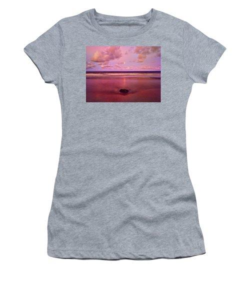 Moonrise, Mayaro Women's T-Shirt