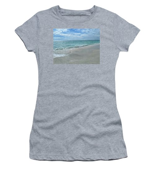 Needs Footprints Women's T-Shirt