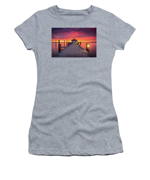 North Carolina Outer Banks Manteo Lighthouse Obx Nc Women's T-Shirt