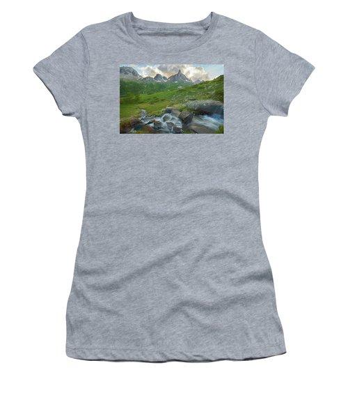 Range In The Claree Valley II Women's T-Shirt