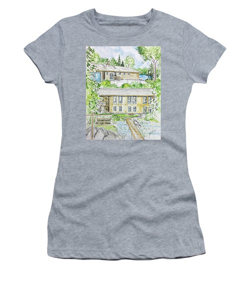 Rendering Sample H-37 Women's T-Shirt