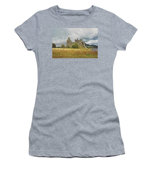 Scotland. Loch Awe. Kilchurn Castle. Women's T-Shirt