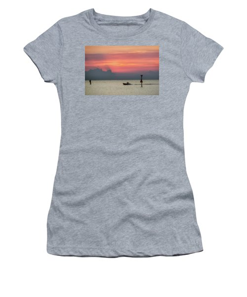 Silhouette's Sailing Into Sunset Women's T-Shirt
