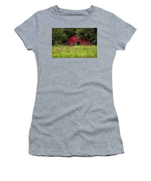 Small Barn 3 Women's T-Shirt (Athletic Fit)