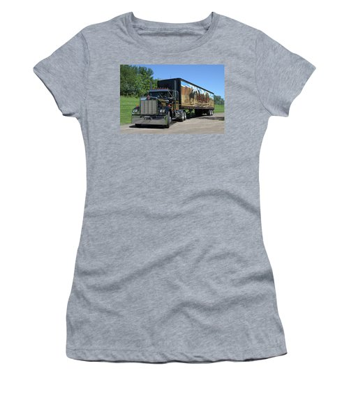 Smokey And The Bandit Tribute Kenworth W900 Black And Gold Semi Truck Women's T-Shirt