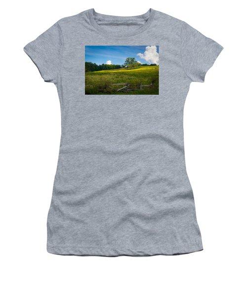 Blue Ridge Parkway - Summer Fields Of Yellow - Lone Tree Women's T-Shirt