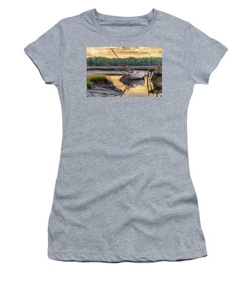 Sunrise Shipwreck Women's T-Shirt