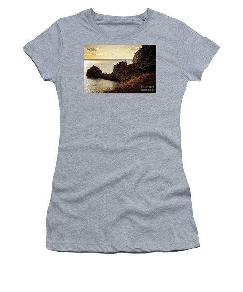 Tranquil Mediterranean Sunset    Women's T-Shirt