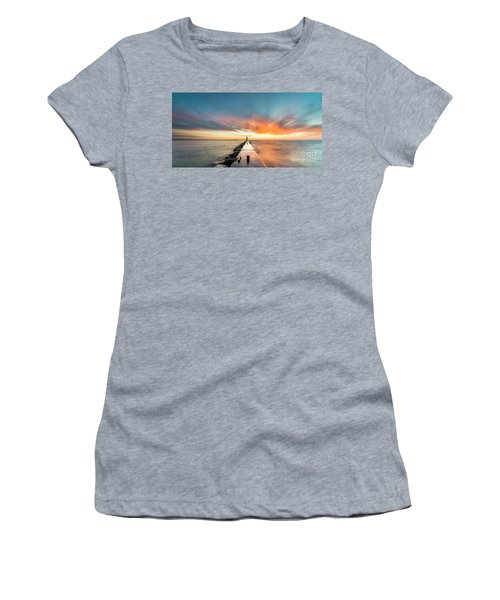 Warm Winter Sunset In Frankfort Women's T-Shirt