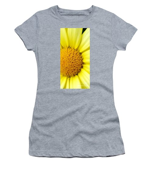 Yellow Daisy Women's T-Shirt