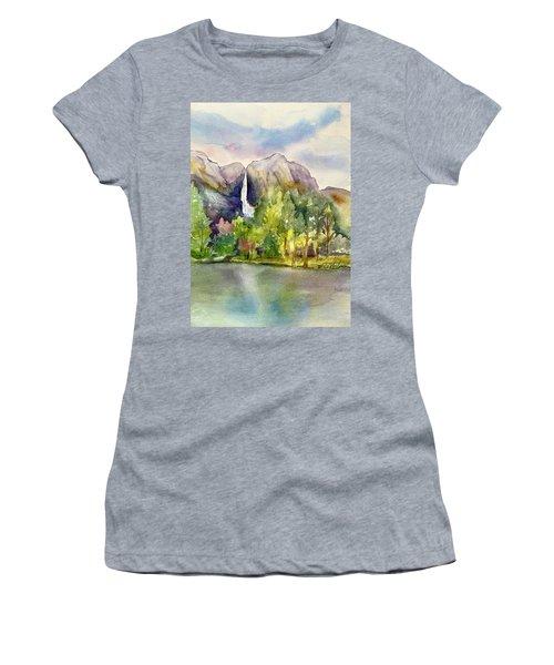 Yosemite Waterfalls Women's T-Shirt