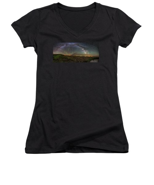 Pinnacles Overlook At Night Women's V-Neck T-Shirt