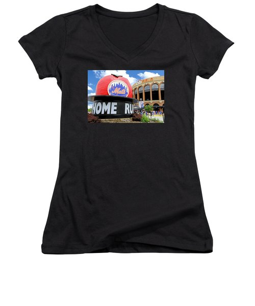 Mets Home Run Apple Women's V-Neck