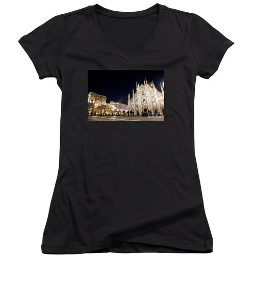 Milan Cathedral Vittorio Emanuele II Gallery Italy Women's V-Neck T-Shirt
