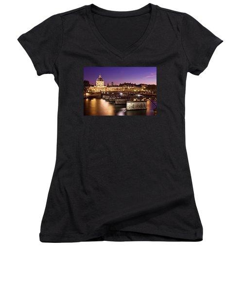 Pont Des Arts And Institut De France / Paris Women's V-Neck (Athletic Fit)