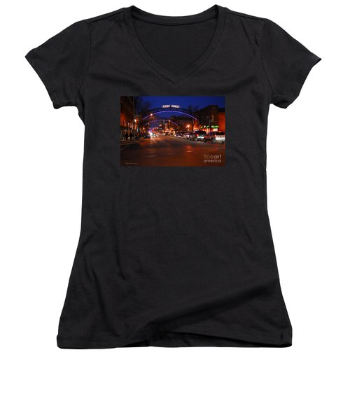 D8l353 Short North Arts District In Columbus Ohio Photo Women's V-Neck