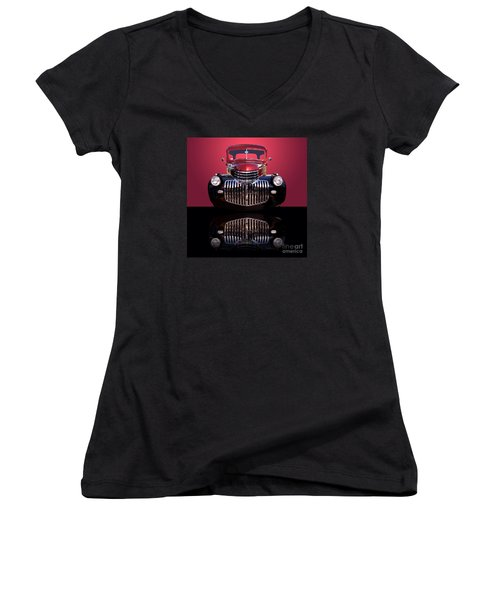 1946 Chevy Panel Truck Women's V-Neck T-Shirt