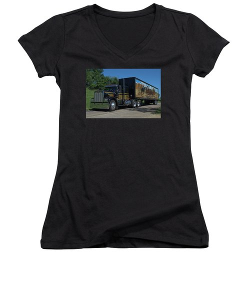 Smokey And The Bandit Tribute 1973 Kenworth W900 Black And Gold Semi Truck Women's V-Neck T-Shirt