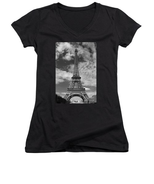 Architectural Standout Bw Women's V-Neck T-Shirt